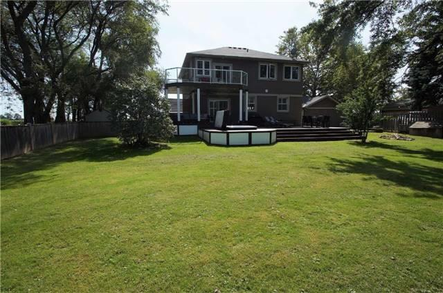 Detached at 1194 Lakeshore Rd W, St. Catharines, Ontario. Image 7