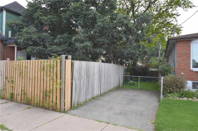 Detached at 248 Prospect St S, Hamilton, Ontario. Image 13