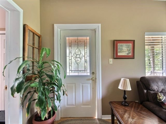 Detached at 21944 Mill Rd, Strathroy-Caradoc, Ontario. Image 12