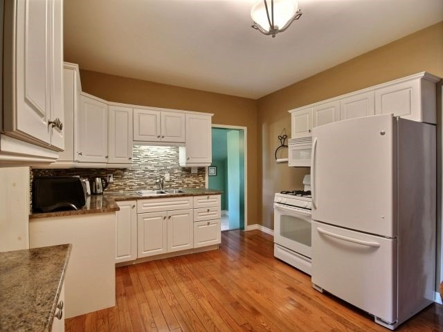 Detached at 21944 Mill Rd, Strathroy-Caradoc, Ontario. Image 14