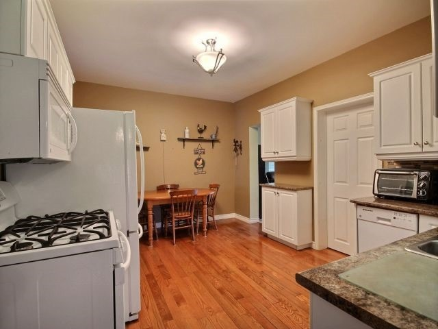 Detached at 21944 Mill Rd, Strathroy-Caradoc, Ontario. Image 16