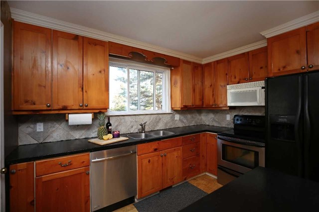 Detached at 233 Maxwell Ave, Peterborough, Ontario. Image 17