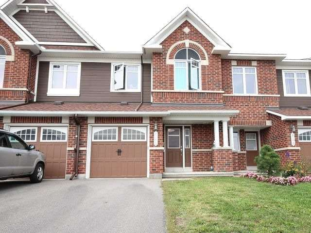 Townhouse at 822 Ashenvale Way, Ottawa, Ontario. Image 1