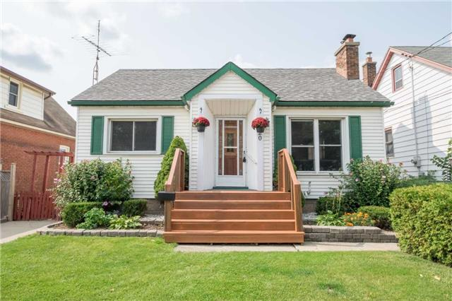 Detached at 20 East 18th St, Hamilton, Ontario. Image 1