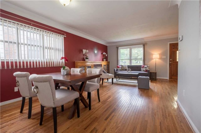 Detached at 20 East 18th St, Hamilton, Ontario. Image 16