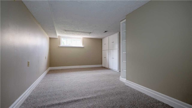 Detached at 20 East 18th St, Hamilton, Ontario. Image 8