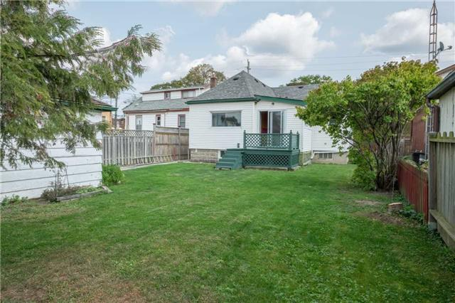 Detached at 20 East 18th St, Hamilton, Ontario. Image 10
