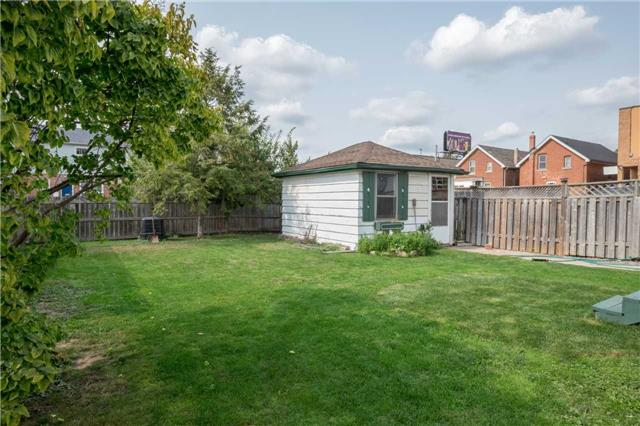 Detached at 20 East 18th St, Hamilton, Ontario. Image 11