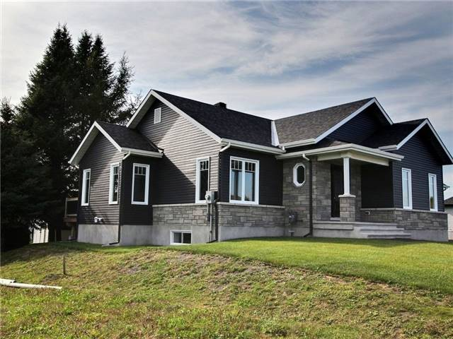 Detached at 93 Richard St, Alfred & Plantagenet, Ontario. Image 5