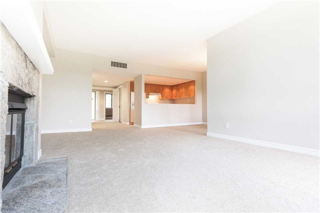 Condo With Common Elements at 921 Hilltop Grandview Dr, Huntsville, Ontario. Image 2