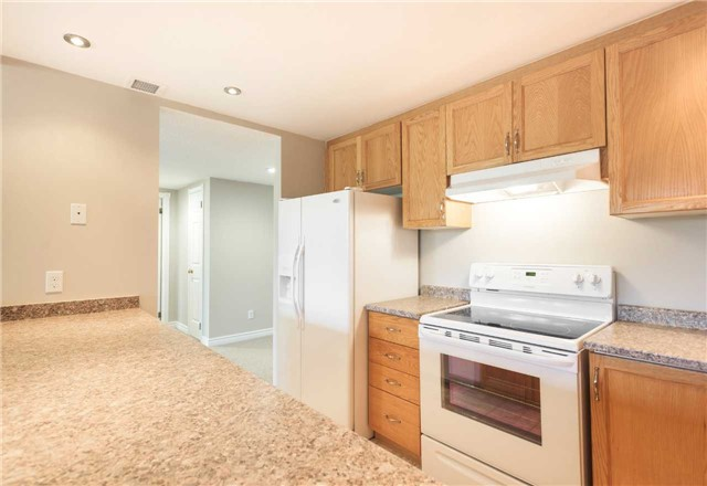Condo With Common Elements at 921 Hilltop Grandview Dr, Huntsville, Ontario. Image 4