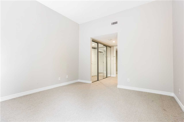 Condo With Common Elements at 921 Hilltop Grandview Dr, Huntsville, Ontario. Image 11