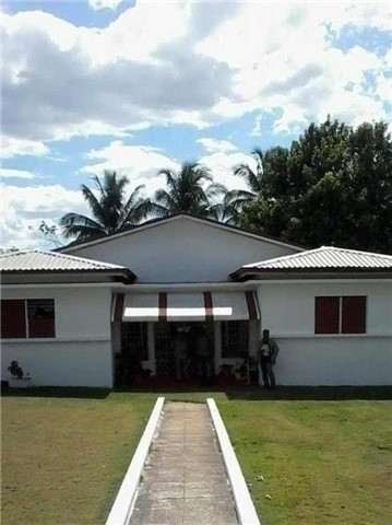 Detached at 10 Longwood Rd, Jamaica, N/A. Image 1