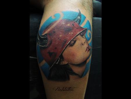 Horn  Woman  Cigarette Color