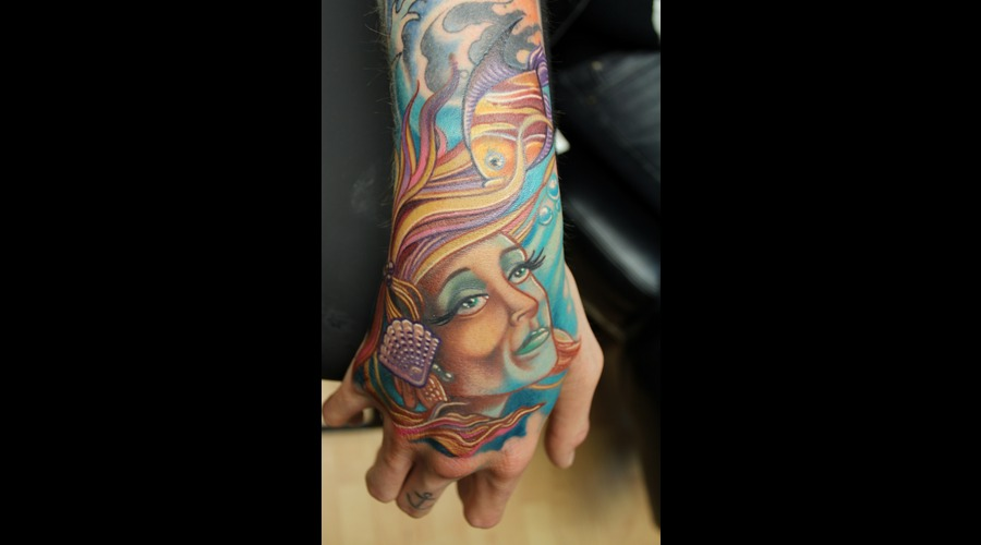 Mermaid  Hand  Fish Color