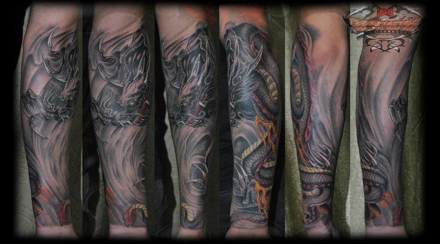 Three Horn Great Dragon Hand Half Sleeve  Black White Arm