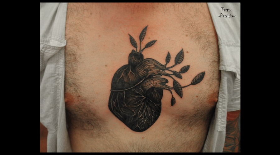 Heart  Wood  Chest Black Grey