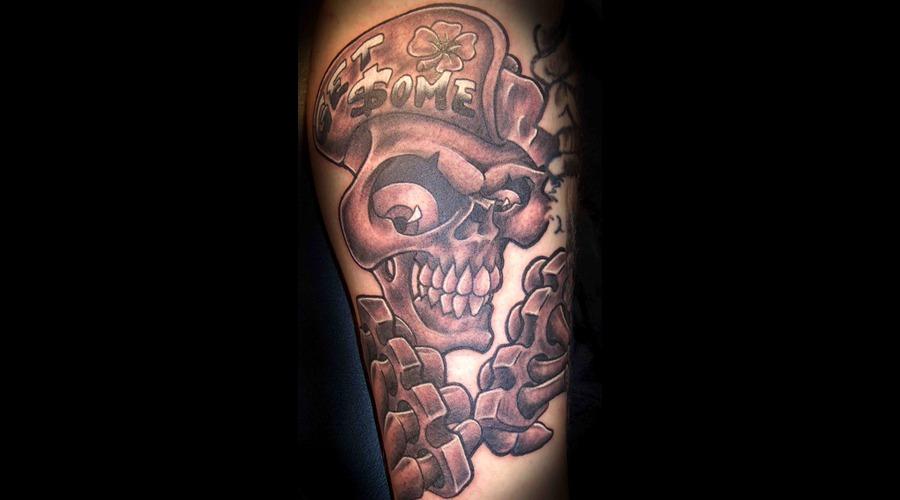 Crazy Skull  Brass Knuckles Black White