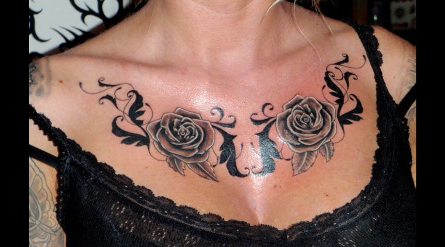 Chest  Roses  Flourishing Black White