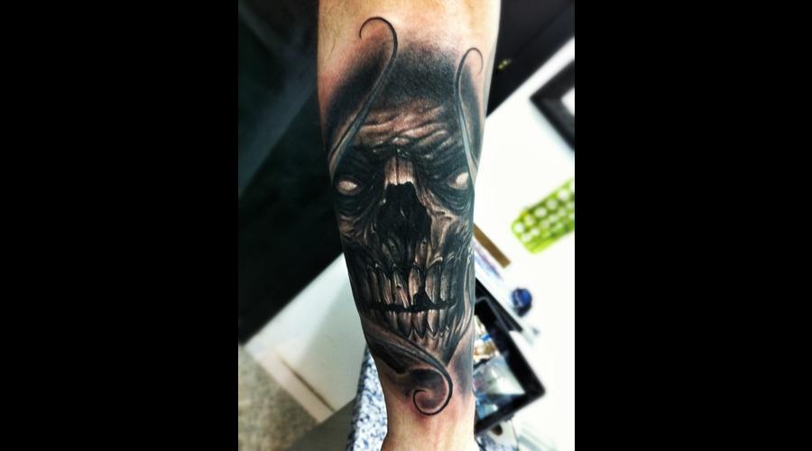 Dark  Skull  Zombie  Death   Black White