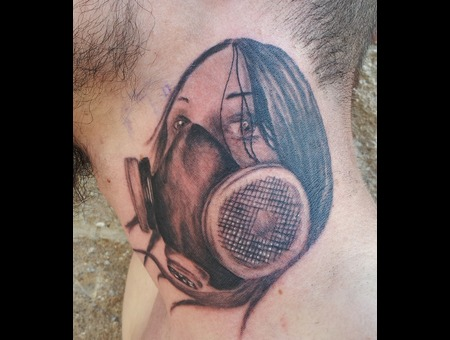 Respirator  Female  Neck Black Grey