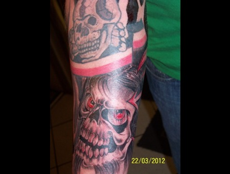 Scull Color Forearm