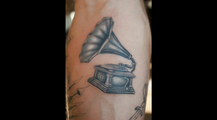 Phonograph  Record Player  Gramophone  Brush Realistic Tattoo