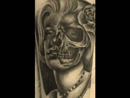 Portrait/Skull Marilyn Monroe Black White