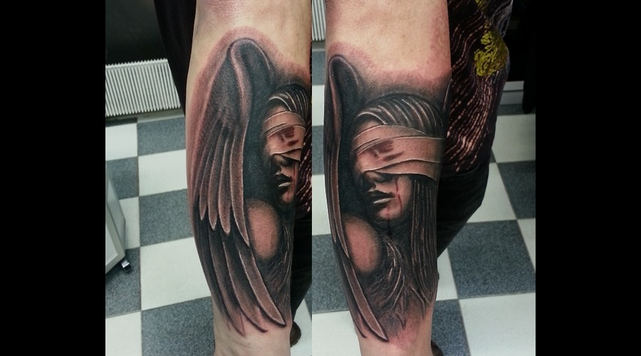 Angel  Gothic  Realism  Photorealistic  Dark  Grey Black Grey Arm