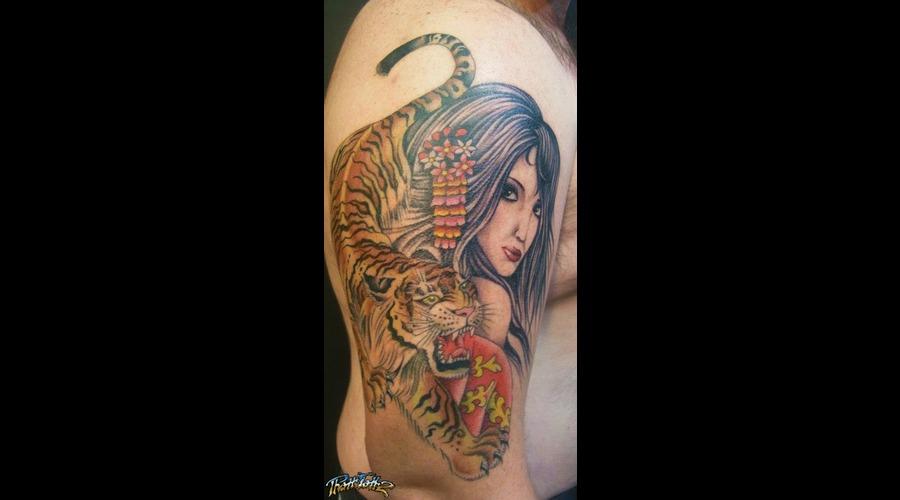 Lady Woman Tiger Realism Colour Arm  Color