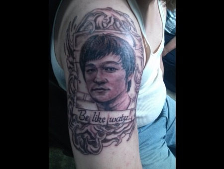 Portrait  Bruce Lee Black Grey Arm