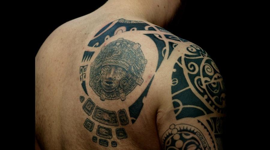 Maori Black White