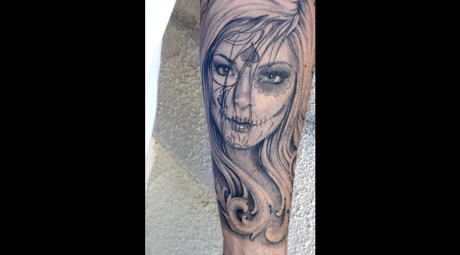 Day Of The Dead  Day Of The Dead Girl  Portrait   Black Grey Arm