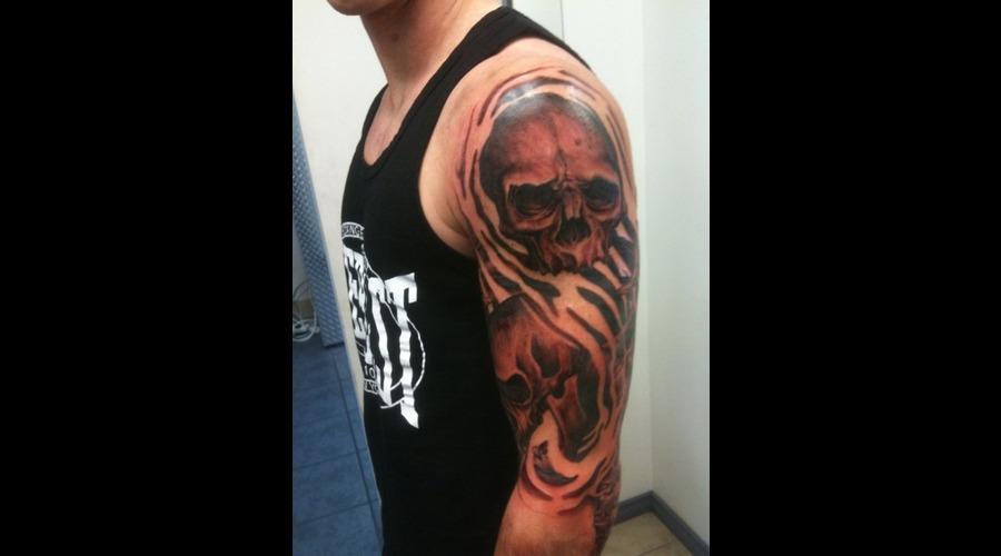 Skull  Sleeve  Evil  Black White