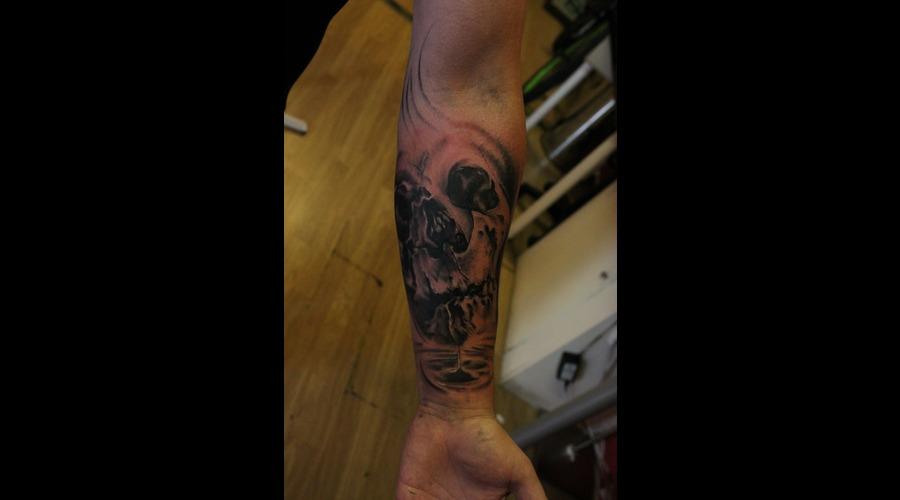 Skull  Tattoo  Realism  Drip Black White Forearm