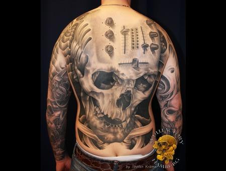 Skull  Mixer  Back  Realistic  Healed Black Grey Back