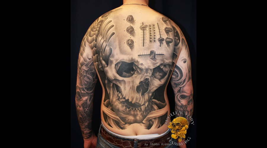 Skull  Mixer  Back  Realistic  Healed Black Grey Back