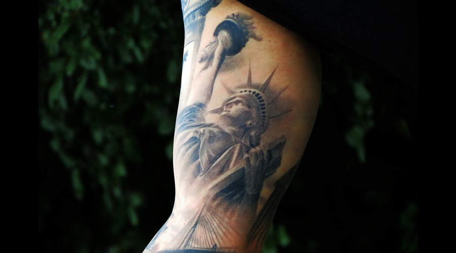 Statue Of Liberty Black Grey Arm