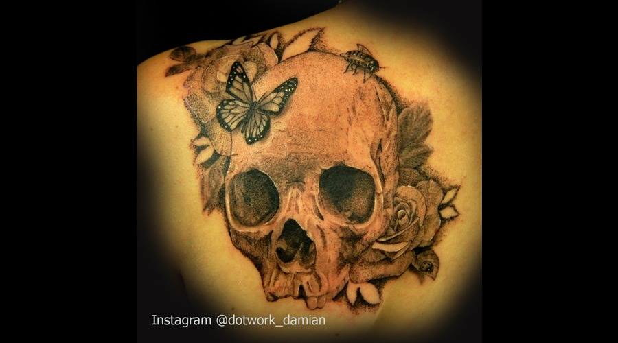 Dotwork Realism  Dotwork Tattoo  Skull And Roses  Dotwork Damian Black White