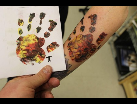 Handprint  Realism Color