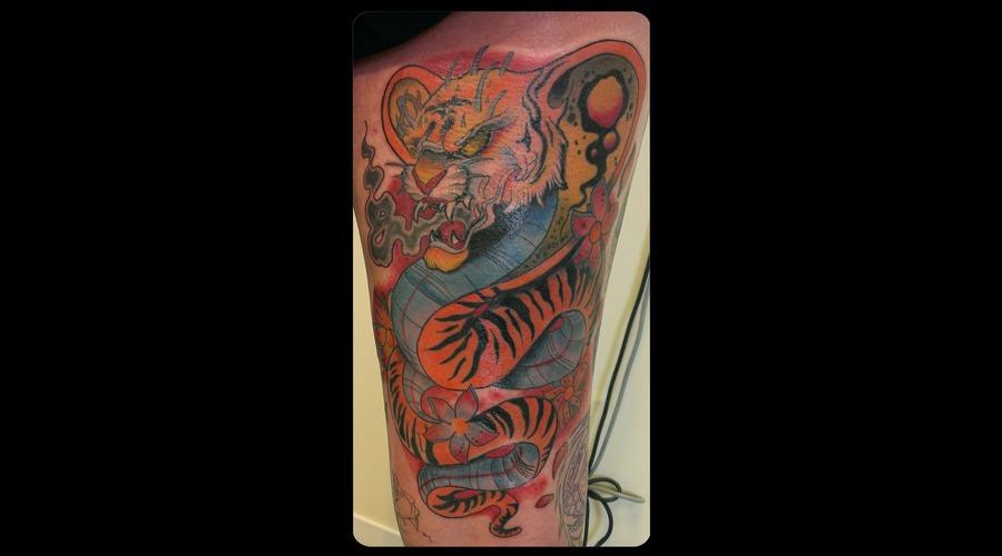 Tiger Snake  Back Of Thigh. Color