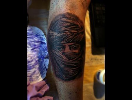 Tuareg Black Grey Lower Leg