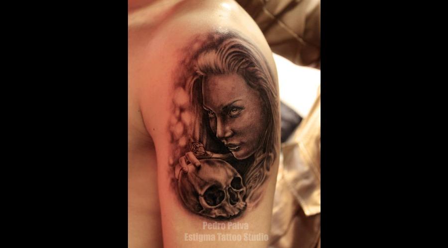 Women  Skull Black Grey Shoulder