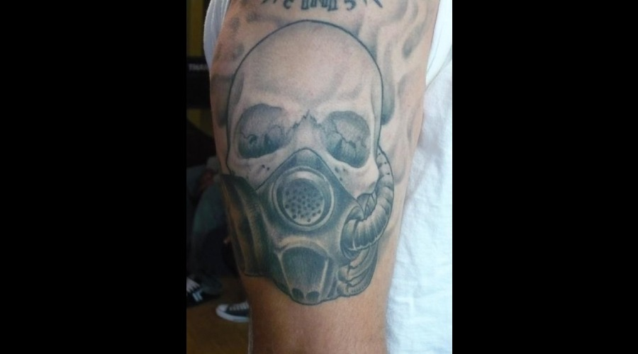 Skull  Gas Mask  Realistic  Realism Black White Arm