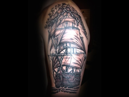 Clipper Ship  Tall Ship   Rigging Black Grey Arm