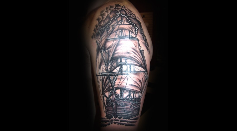 Clipper Ship  Tall Ship   Rigging Black Grey Arm