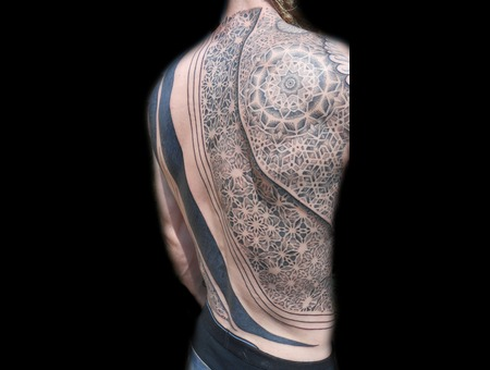 Backpiece Dotwork Black White