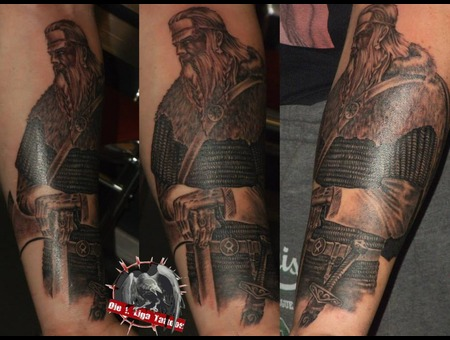 Viking Black White Arm