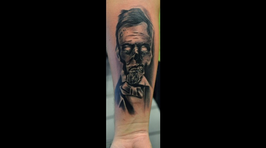 Black And Grey Realistic Black And Grey Lincoln Tattoo Horror Tattoos Black White