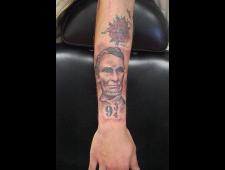 Abe Lincoln Tattoo Black Grey Forearm